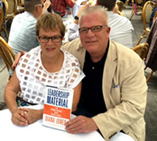 Johan Willig with Diana Jones holder her book Leadershipo Material